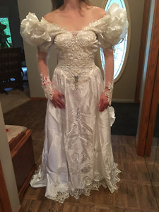 For Sale – WEDDING DRESS. Worn once!