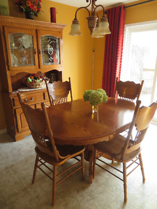 Dining Table With Matching Buffet and Hutch