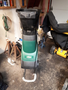 Yardworks Electric Wood Chipper
