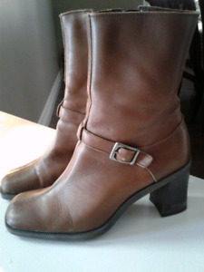 Nine west tan leather boots size 7.5