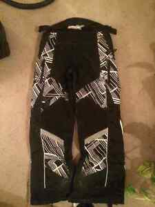 Castle Snowmobile Pants Size Large For Sale! Kitchener / Waterloo Kitchener Area image 2