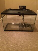 Aquarium 10 gallon with cover and filter