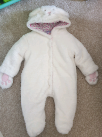 Jojo meman bébé snowsuit 0-3 months