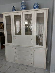 Lacquered Display/China Cabinet