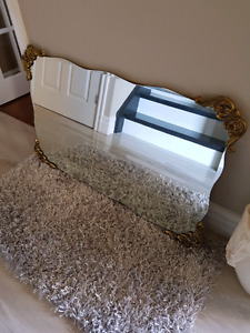 Beutiful gold accent mirror