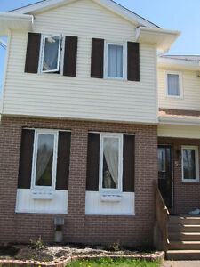 Lovely, clean room in 3 bdrm townhouse in Lr Sackville