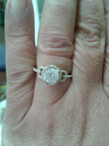 Beautiful 1.54 carat  14 K Gold engagement ring PRICE DROP!! Edmonton Edmonton Area image 6