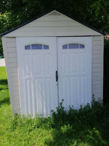 Rubbermaid outdoor shed for sale