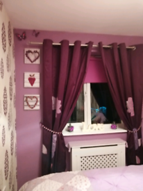 Bargain @£10 Nearly new purple/aubergine lined curtains