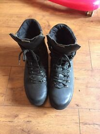 Alt-berg boots. Size 10.5 W
