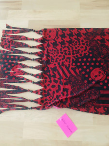 Skull scarf Betsey Johnson new