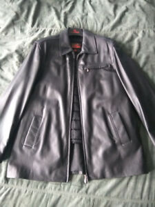 Mint Condition Men's Danier Lamb Leather Coat - Sz Large, Soft!