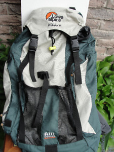 LOWE ALPINE WALKABOUT 35 BACKPACK