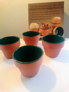 Set of 4 Clay Bakers N.I.B