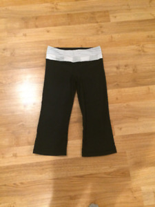 *Lululemon Crop Pants With White/Grey Waist Band  $40