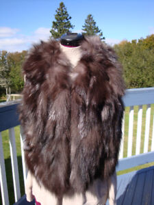 New Genuine Fox Fur Vest Wear Over Sweater / Jacket Size Large
