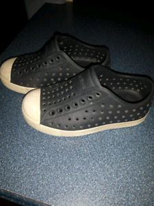 Toddler size 8 native shoes