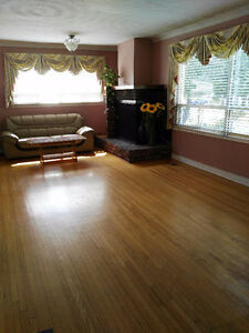 3+3 bedrooms and 3 bathrooms bungalow for rent in Scarborough