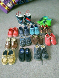 Toddler size 7-8 shoes and sandals $5 each