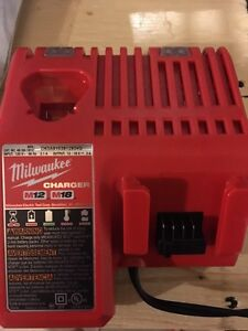 Milwaukee m18 m12 charger