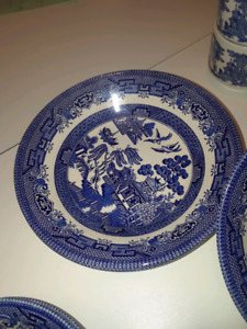 Churchill england willow pattern