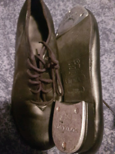 2 pair of tap shoes