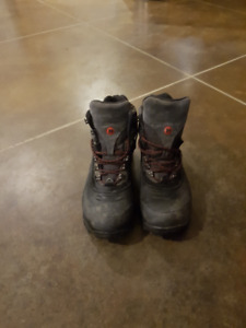 Merrell insulated boots size 12