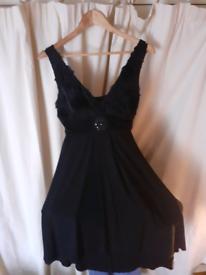 'En Focus' gorgeous black evening dress.