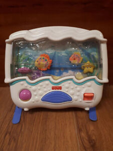 Jouet musicale pour bassinette Aquarium Fisher Price 10$
