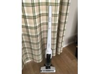 Bosch Cordless (Bagless) Vacuum Cleaner Athlet White (great hoover)