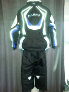 Ladies XL Snowmobile Suit - Nearly New