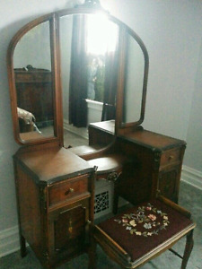 Antique 1920's vanity dressing table with bench