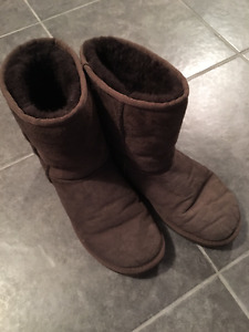 BROWN UGG Boots-Excellent Condition