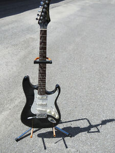 Samick   1997     Strat Style Electric Guitar    with case Peterborough Peterborough Area image 1