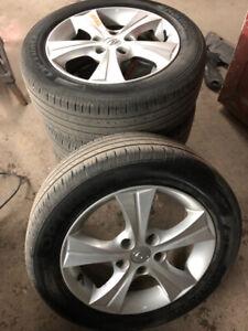 Mags de Hyundai Elantra avec pneus d'été (16 pouces)