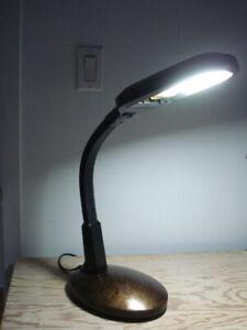 Lampe pour luminothérapie, bureau... ( 2 intensités d'éclairage)