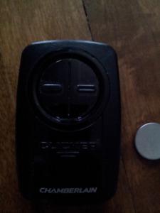 Télécommande universelle pour ouvre-porte de garage Chamberlain