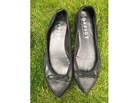 Black Office pump shoes size 5