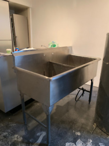 REDUCED PRICE!! Utility Sink - Stainless Steel, 2 Bays