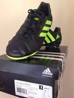 Adidas Soccer shoes size 4,5