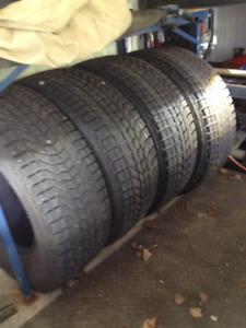 REDUIT 4 pneus hiver pour ram 9/32  + déflecteur de capot chromé