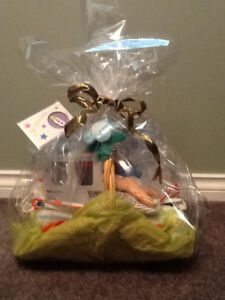 Baby shower basket, ready to give gift!