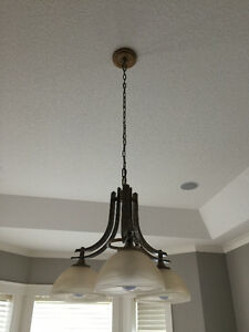 3 light chandelier in excellent condition