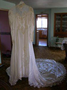 Alfred Angelo Wedding dress and vale