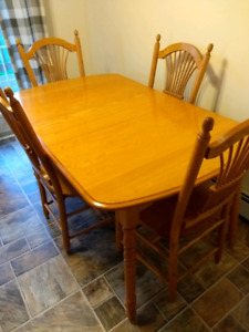 Dining Room Table, 4 Chairs