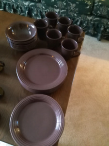 Brown dinner service for 8