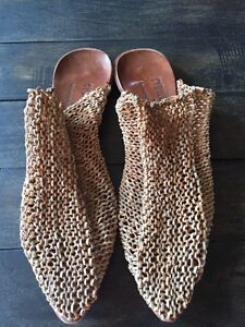 Cydwoq leather knit shoes size 9.5