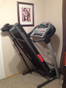 Nordic Track Treadmill - LOW MILES! Excellent Shape
