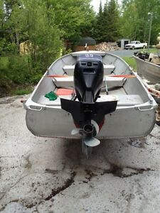 14FT ALUMINIUM BOAT TRAILER AND 15HP EVINRUDE OUTBOARD
