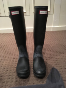 Tall Black Hunter Boots + Cable Knit socks - Size 7 -Gently used